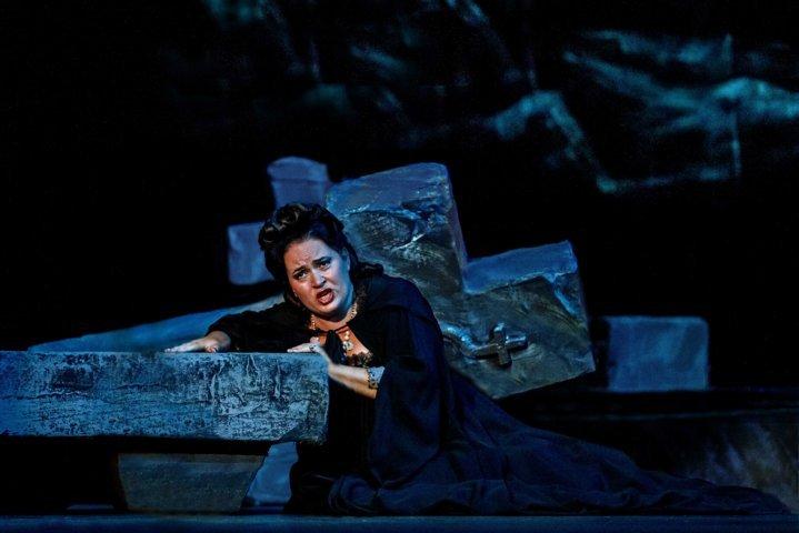 Andrea Battistini firma la regia di Rigoletto e Ballo in Maschera